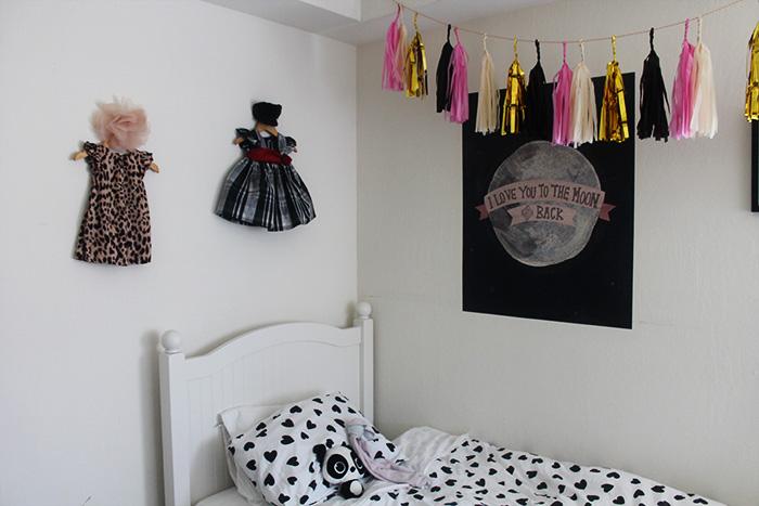 toddler girls room ideas, black and white toddler bedding, toddler girls room ideas,