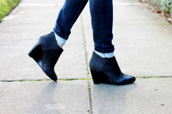 wedge booties and skinny jeans