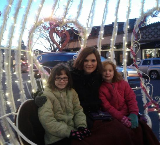 Annabelle, Heather, and Violet in CInderella Carriage at KC Plaza