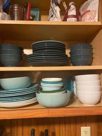 Plates & bowls. The cabin had all the amenities we needed.