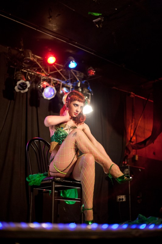 Miss-kennedy-oscars-burlesque-portland-Betholsoncreative-002
