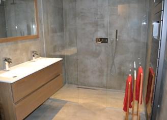 Badkamer met beton-cire