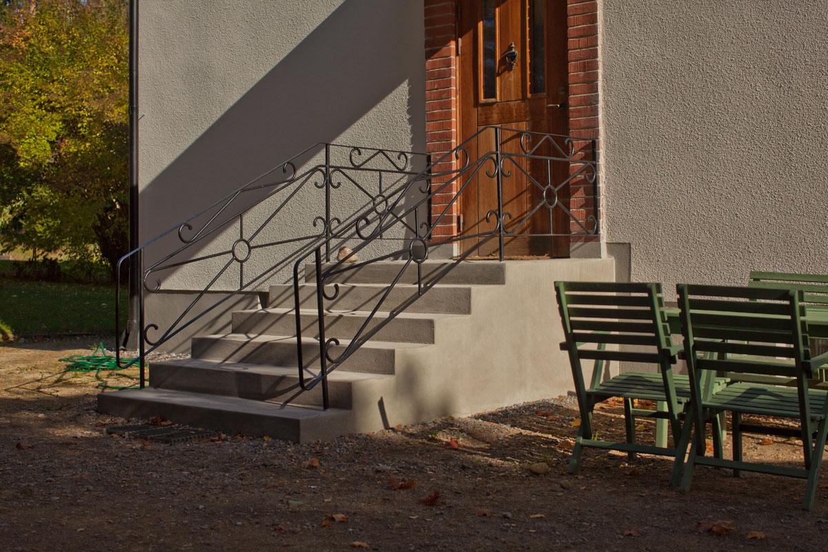 Betongtrappa återställd i klassisk stil