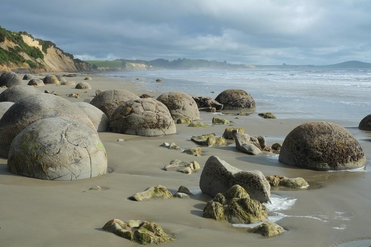 Maoraki Boulders