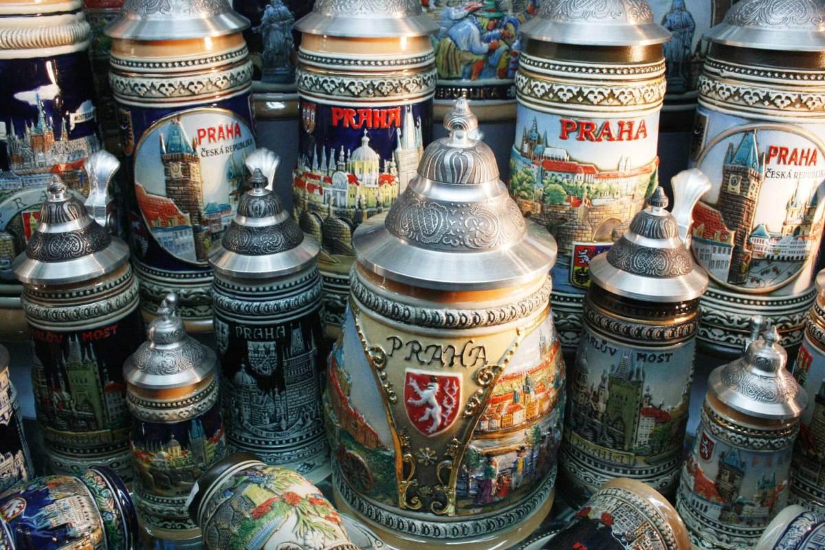 Bierkrüge aus Prag
