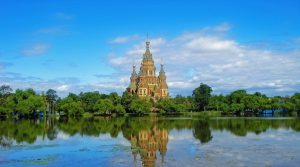 Das Schloss Petershof in St. Petersburg