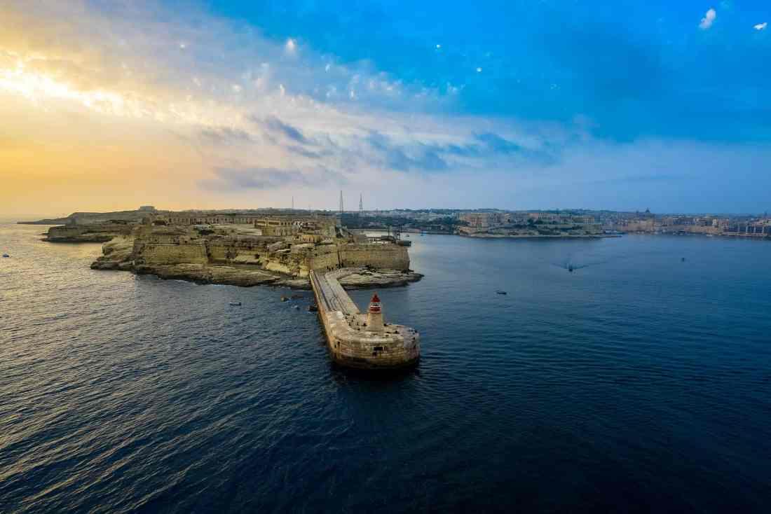 Sonnenaufgang im Hafen, Malta