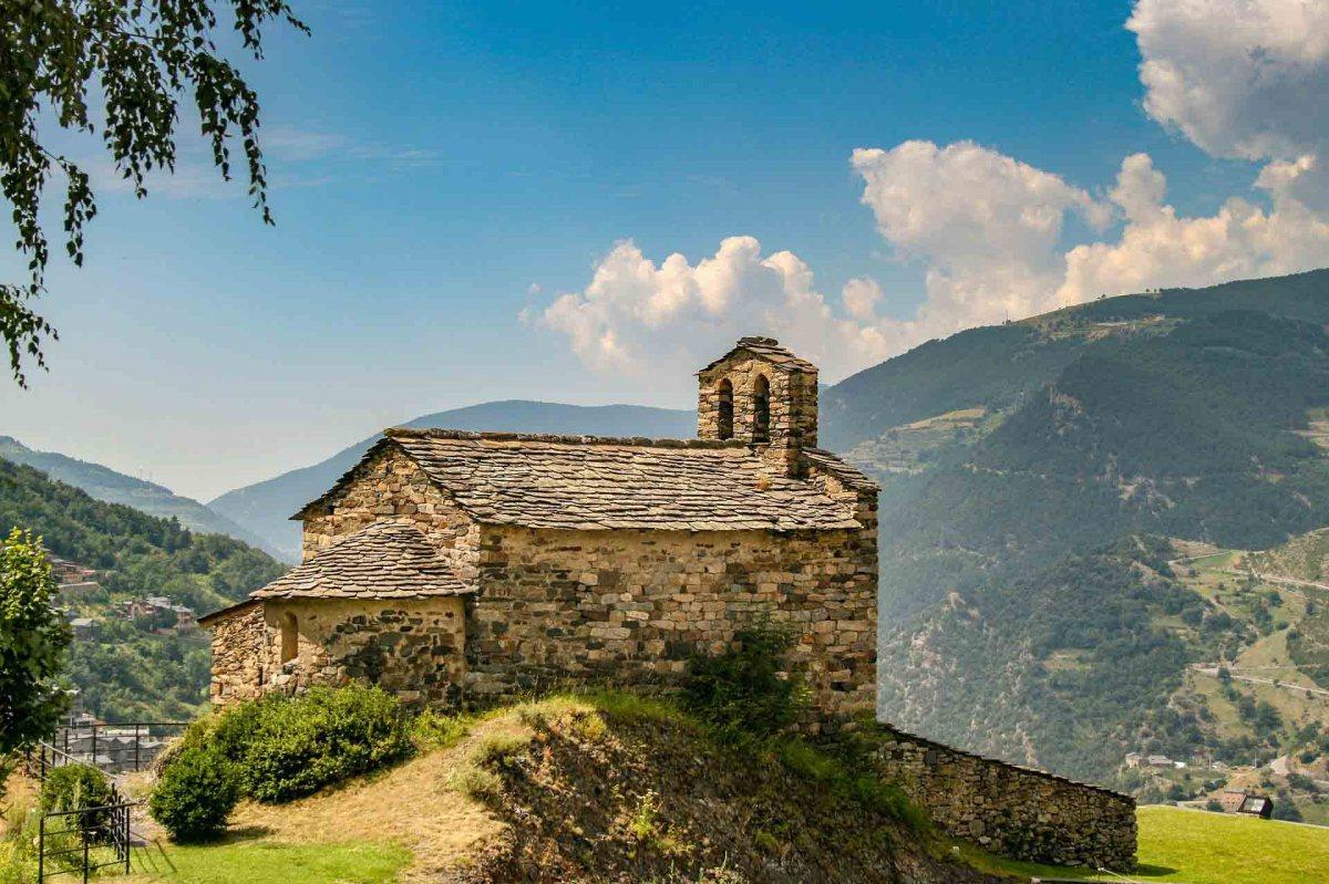 Steinkirche in Andorras Bergen