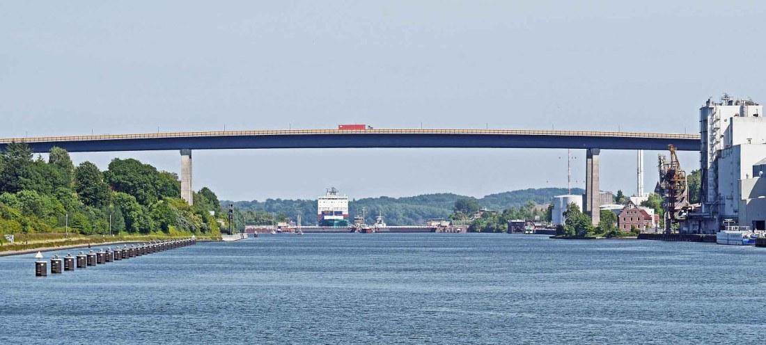 Ende des Nord-Ostsee-Kanals in Kiel Holtenau