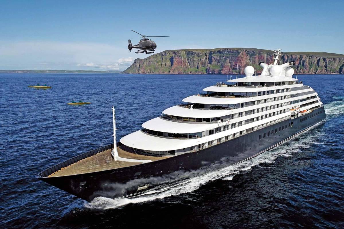 Scenic Eclipse vor Orkney Inseln