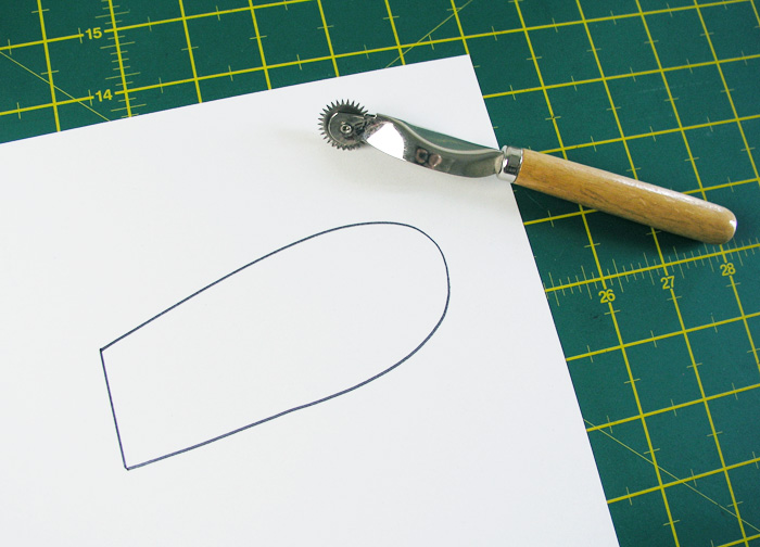 Half pattern drawing    Betsy Sewing