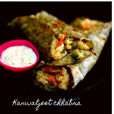 Cous cous spinach wrap with hung curd dip