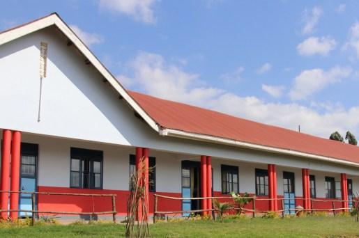 Högstadie-skolan i Kabale som Better Globe finansierade köpet av
