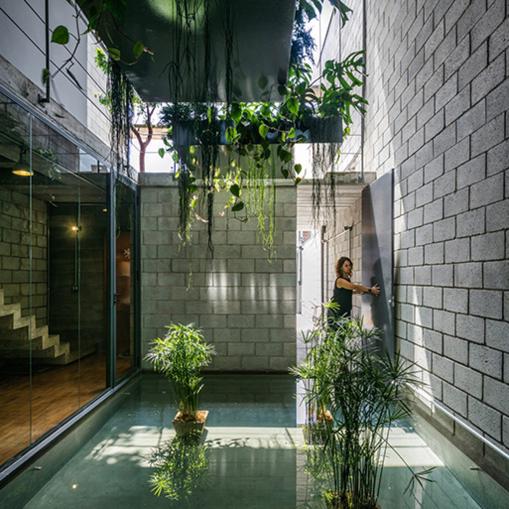 Concrete House by Terra e Tuma in São Paulo