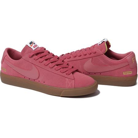 Supreme®/Nike® SB Blazer Low (Pink)
