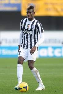 VERONA, ITALY - FEBRUARY 09: Paul Pogba of Juventus controll the ball during the Serie A match between Hellas Verona FC and Juventus at Stadio Marc'Antonio Bentegodi on February 9, 2014 in Verona, Italy. (Photo by Dino Panato/Getty Images)