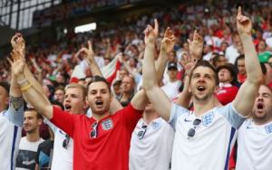 england-fans-before-kick-off
