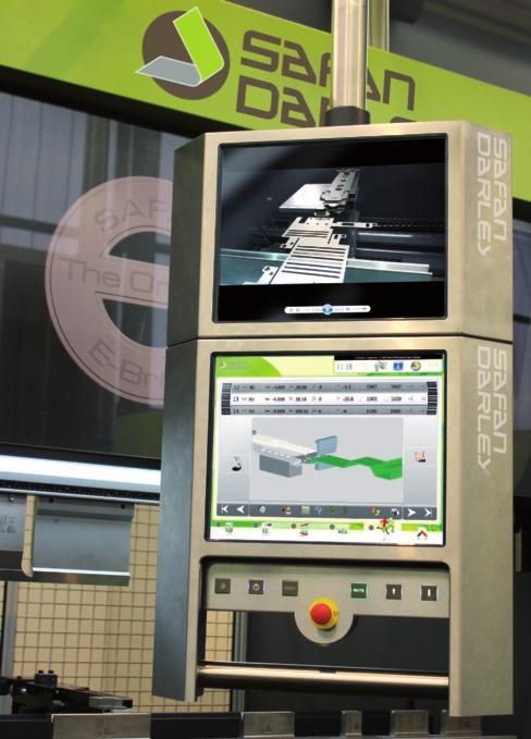 Visione del doppio schermo dell'E-Control utilizzato da SafanDarley nelle sue piegatrici e cesoiatrici (foto SafanDarley).
