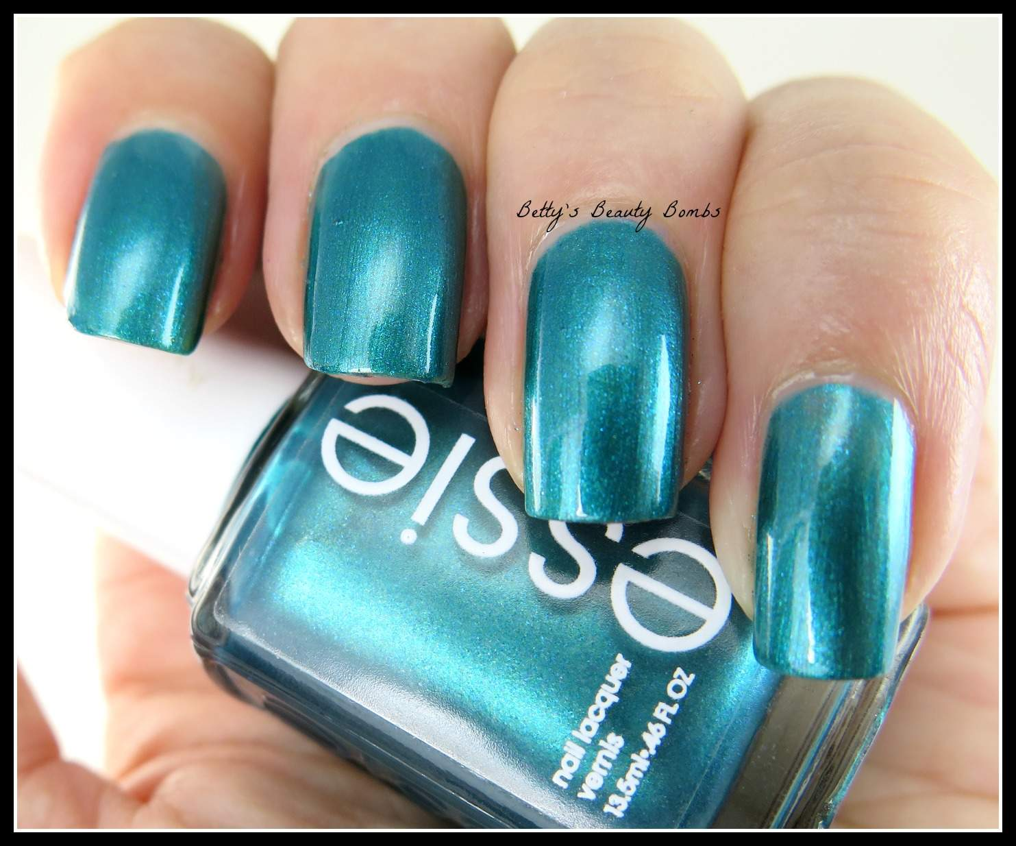 Essie Trophy Wife and Essie Strut Your Stuff Swatches - Lazy Betty