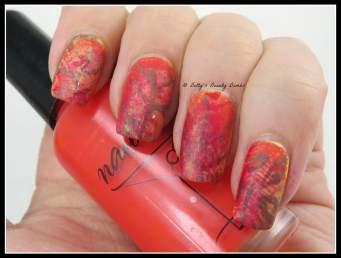 Fall-Leaves-Manicure