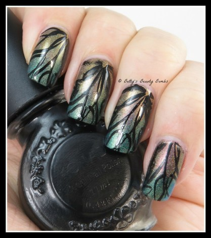 Leaves-Stamping-Nail-Art