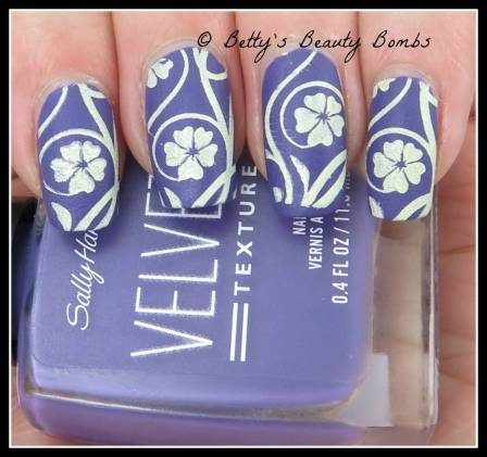 yellow-flowers-nail-art