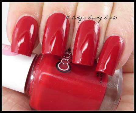 color-club-red-handed