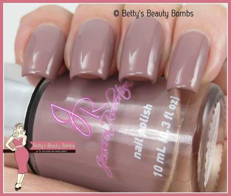 jessica-robertson-taupe-swatch