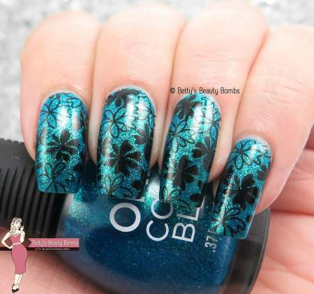 black-and-teal-nail-art