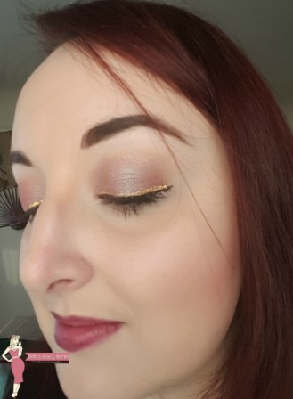 starlooks-gold-eyeliner