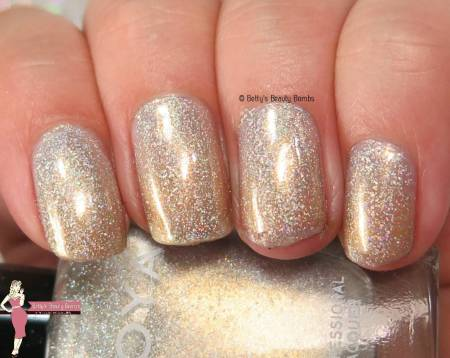 zoya-alicia-swatch