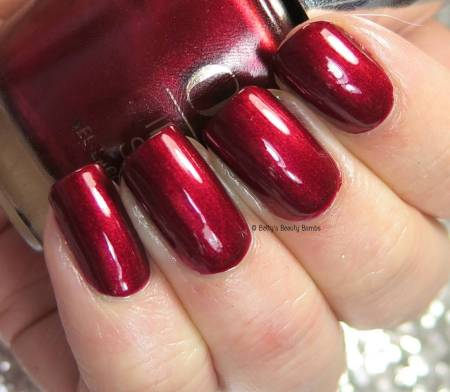 opi-i'm-not-really-a-waitress-swatch