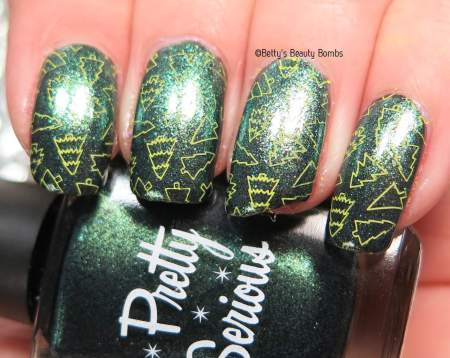 christmas-tree-stamp-nail-art