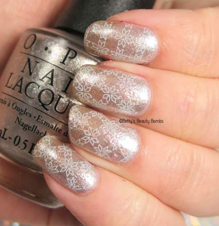 winter-nail-art-stamping