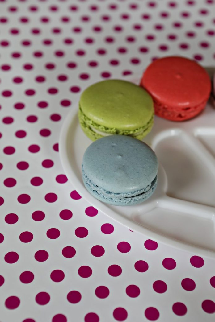 Painter Purim Gift Ideas for Children. Macaron Painter Party Favors.