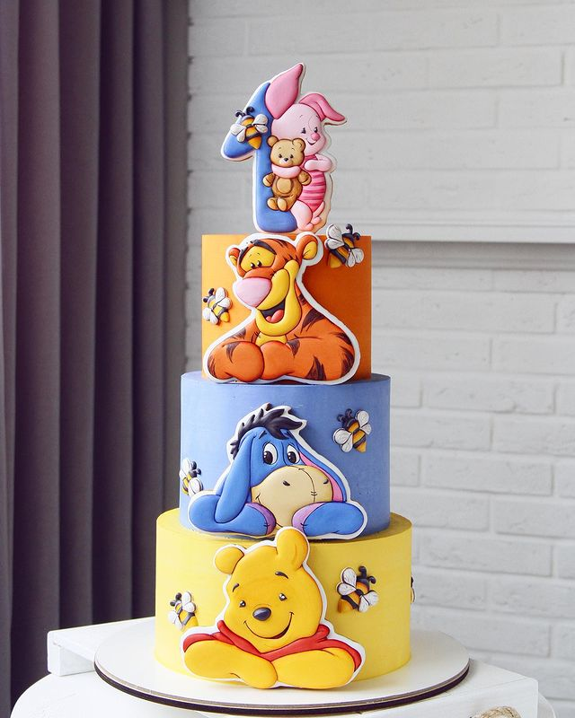 Cute Winnie The Pooh 1st Birthday Cake Between The Pages Blog