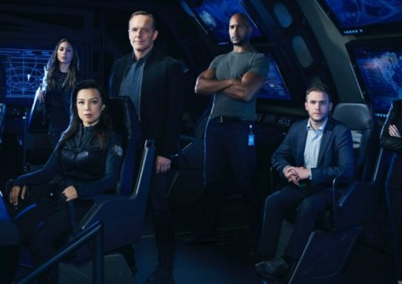 agents-of-s-h-i-e-l-d-season-4-cast-banner