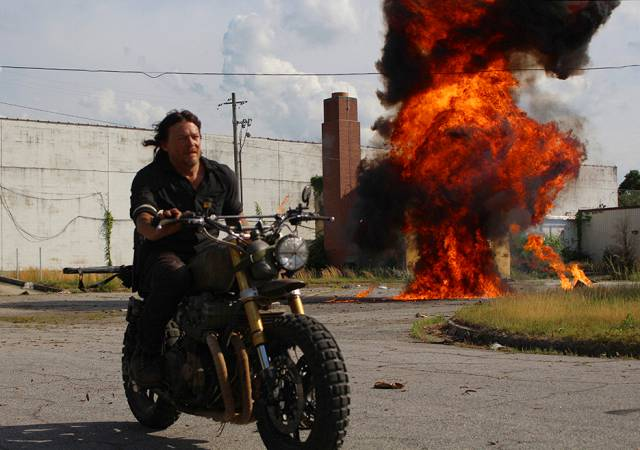 "The Walking Dead S801 Season 8 Premiere - ""Mercy"" – Daryl Rides & Boom!"