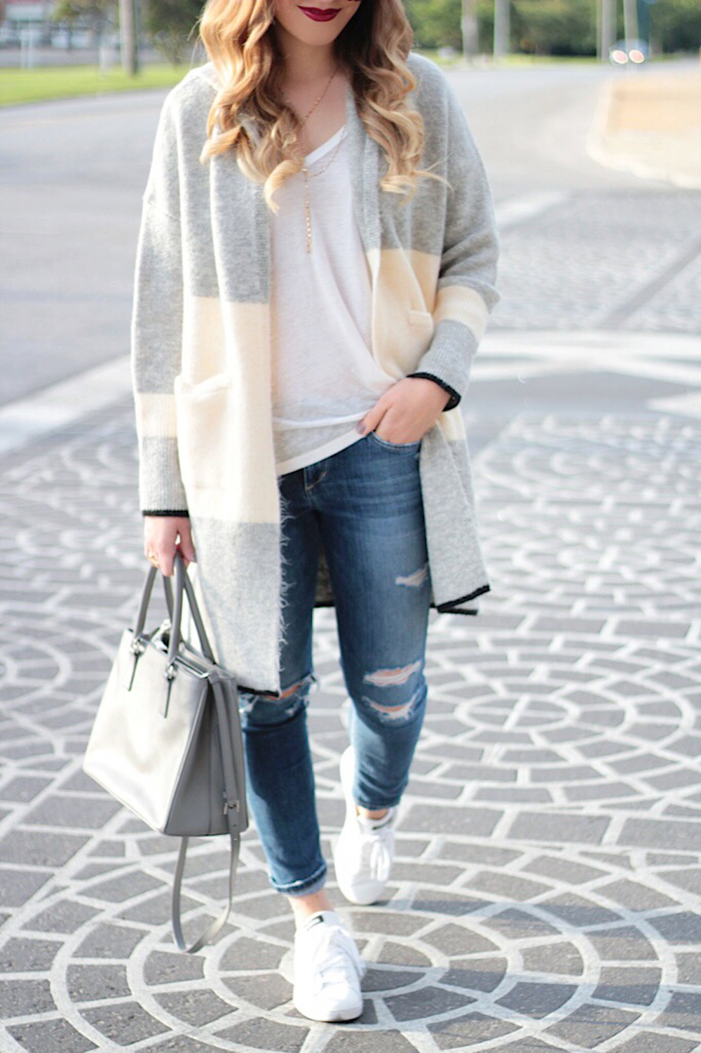 casual street style fashion blogger
