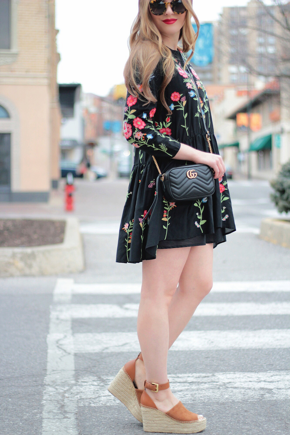 embroidered dress and gucci bag rachel puccetti