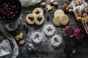 Paleo Christmas Linzer Cookies