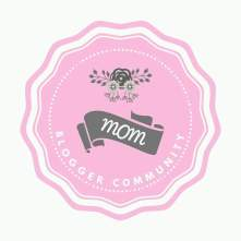 logo mom blogger community
