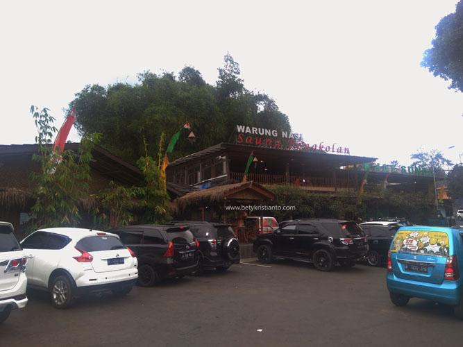 REVIEW: Pengalaman Makan di Saung Pengkolan Lembang