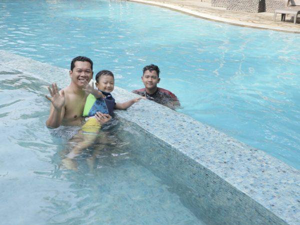 Ijen Suites resort and Convention Malang swimming pool
