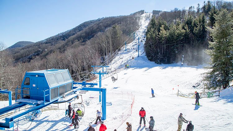 3 Thrilling Reasons to Ski the Slopes of WNC