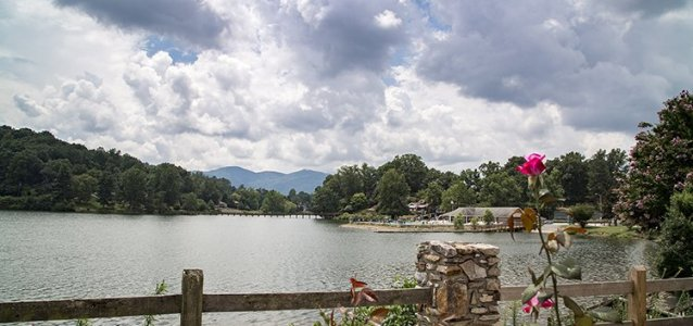 Nature's beauty abounds at Lake Junaluska