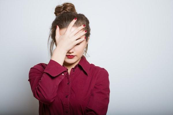 Essay om skyld og skam - Hvorfor føler man skam? - Hvad er blufærdighed? - Hvad er skam?