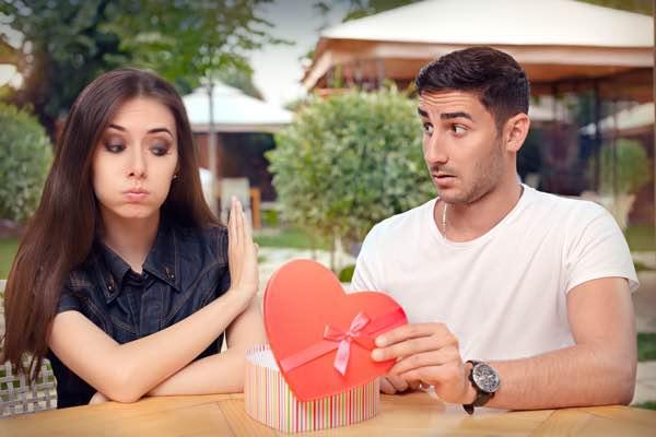 Tegn på hun ikke elsker dig mere - Tegn på at kærligheden er væk - skilsmisse - parterapi københavn