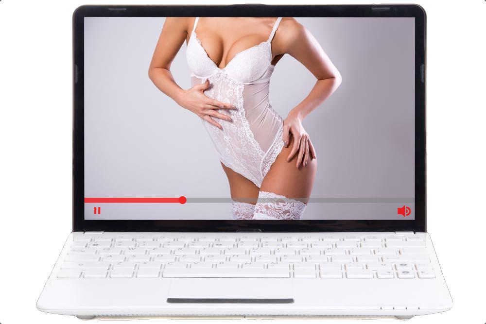 """Frustreret kvinde: """"Min kæreste ser porno dagligt, mens jeg efterspørger nærhed og sex!"""""""