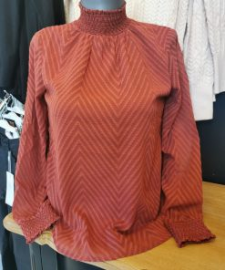 Blouse col montant only.